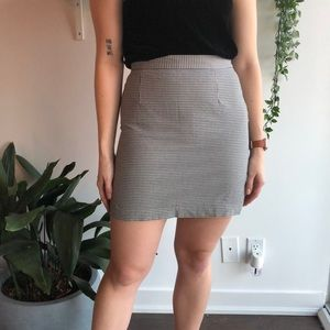 🦎BOGO VINTAGE stretchy houndstooth mini skirt